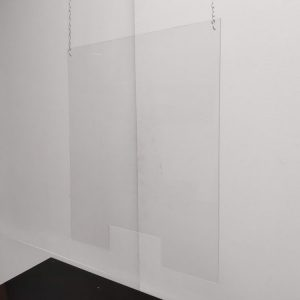 Plexiglas scherm hangend